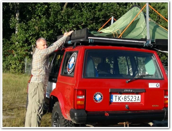 tani namiot dachowy własnej konstrukcji rozkładanie 10