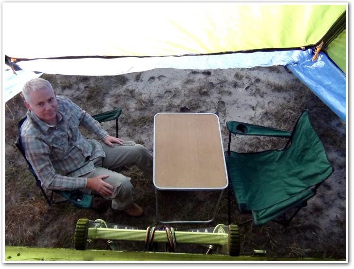tani namiot dachowy własnej konstrukcji wnętrze przedsionka 2