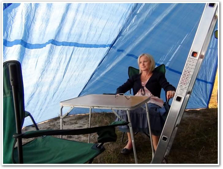 tani namiot dachowy własnej konstrukcji wnętrze przedsionka 1
